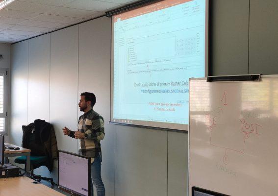 Francisco José Diez impartiendo el curso